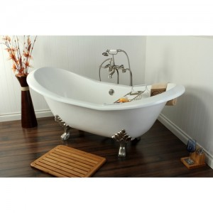 The pros and cons of a claw-footed tub